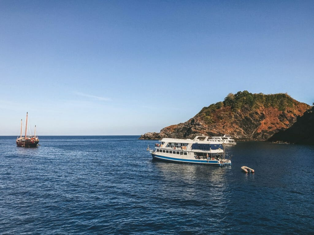 liveaboards in the similan islands