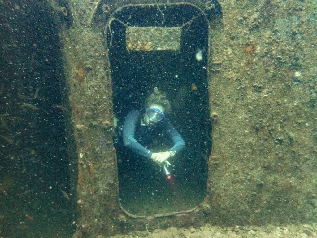 Annika Ziehen diving Sattakut wreck